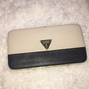 Guess clutch wallet